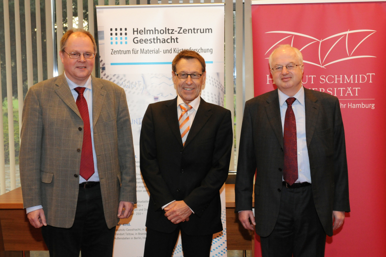 Prof. Dr. Wilfried Seidel and the directors of the Helmholtz Centre Geesthacht (Hereon), Prof. Dr. Wolfgang Kaysser and Michael Ganß